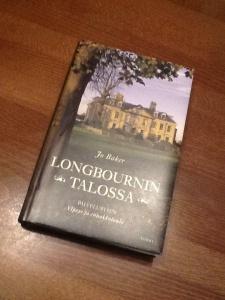 Jo Baker ravistelee kirjassaan austenilaisuutta.