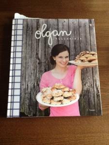 Olga Temosen Olgan pullakirja on kattava katsaus pullan leipomisen nikseihin.