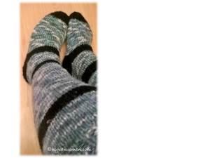 Uudelleenkudotut sukat, nyt oikean kokoiset - Twice knitted socks, now the right size.